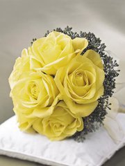 Buy the fresh wedding flowers in London